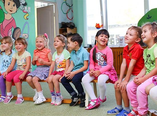 Durch spezielle Vorbereitung in der Vorschule wird der Schuleintritt für Kinder leichter